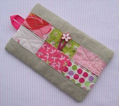 Patchwork Tissue Holder  Quilted  Linen and Cotton by CasaMagubako