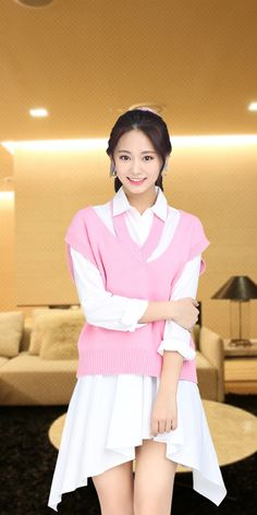 Cute Asian Girls, Beautiful Asian Girls, Cute Girls, Nayeon, Girl Korea, Tzuyu Twice, Beautiful Girl Image, Snsd, Girl Photos