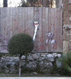 30 pictures of street art playing with nature !