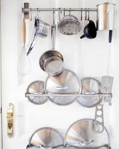 Küchentrends: Töpfe und Pfannen an GRUNDTAL Stangen aus Edelstahl