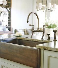 Farmhouse Sink Ideas for Cottage-Style Kitchens Copper Farmhouse Sink Always think classic white but this would work with butcher block countertops Easy Kitchen Updates, Updated Kitchen, New Kitchen, Kitchen Sinks, Copper Kitchen, Awesome Kitchen, Wooden Kitchen, Kitchen Islands, Country Kitchen