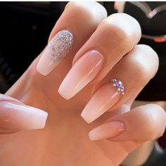 This series deals with many common and very painful conditions, which can spoil the appearance of your nails. SPLIT NAILS What is it about ? Nails are composed of several… Continue Reading → Acrylic Nails Natural, Acrylic Nails Coffin Short, White Acrylic Nails, Best Acrylic Nails, White Nails, Acrylic Nails For Summer, Gem Nails, Aycrlic Nails, Diamond Nails