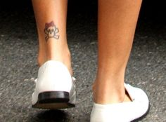Rihanna Tattoos - photos and explanations Rihanna tattoos. As we all know, Rihanna is a superstar and a very talented singer. Unique Tattoos, New Tattoos, Cool Tattoos, Tatoos, Badass Tattoos, Rihanna Ankle Tattoo, Ankle Tattoos, Tattoo Images, Tattoo Photos