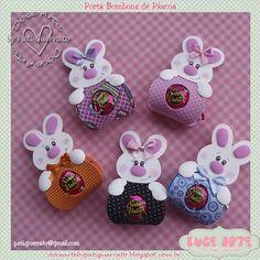 A Páscoa já foi... mas tenho que mostrar essas fofurinhas... não ficaram uma graça?? Informações e pedidos: pati.guerrato@... Kids Crafts, Foam Crafts, Diy And Crafts, Arts And Crafts, Paper Crafts, Candy Crafts, Felt Patterns, Easter Treats, Felt Toys