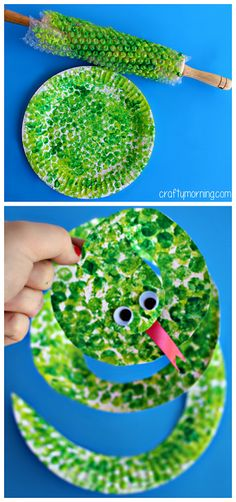 Paper Plate Snake Craft Using Bubble Wrap kids art project via CraftyMorning.com | Clever, very clever with the bubble wrap and rolling pin.