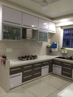 Getting the Best Modular Kitchen Cabinets Indian - thehomedecores Home Room Design, Kitchen Decor, Kitchen Modular, Kitchen Interior Design Decor, Kitchen Room Design, Modern Kitchen Cabinet Design, Kitchen Furniture Design, Simple Kitchen Design, Cupboard Design