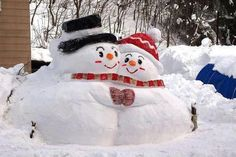 love built this snow couple.Merry Christmas magic to you. Frosty The Snowmen, Cute Snowman, Christmas Snowman, Winter Christmas, Christmas Time, Christmas Crafts, Christmas Decorations, Merry Christmas, Winter Holidays