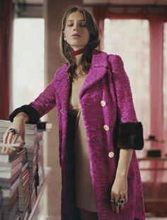 #vogue #voguebrazil #editorial #pinkandred #pinkcoat