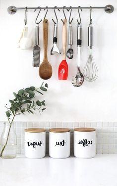 Best Decor & Design On A Budget For First Apartment 05 Apartment Decorating On A Budget, Cheap Apartment, Apartment Kitchen, Apartment Ideas, Trendy Home Decor, Easy Home Decor, Kitchen Decor, Kitchen Design, Kitchen Ideas