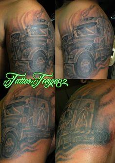 tatuaje de cabezal en grises