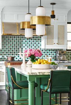 Kitchen Interior Design Kitchen of the Year 2018 - Photos of Martyn Lawrence Bullard 2018 Kitchen of the Year - You'll be green with envy. Retro Home Decor, Home Decor Kitchen, Interior Design Kitchen, Kitchen And Bath, New Kitchen, Home Kitchens, Art Deco Kitchen, Green Kitchen Island, Cheap Kitchen