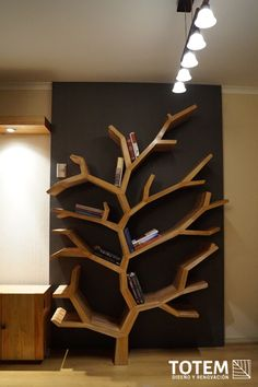 Librero Árbol, desarrollo de proyectos a través de la re utilización de madera nativa. Diseño Industrial - Totem Diseño y Renovación.