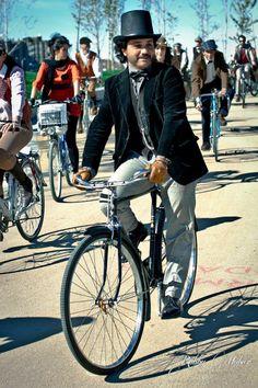 MadridCycleChic: La Tweed Ride Madrid por Robby Molver