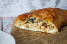 Butterfly Bar With Chicken, Spicy Cheese And Spinach Butterfly Bar, First Kitchen, Danish Food, Spanakopita, Italian Recipes, Danish Recipes, Spinach, Good Food, Brunch
