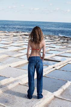 Chimala® jeans worn with bandeau bikini top in bandana pinwheel at Madewell.
