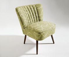Retro fotel https://www.homify.pl/katalogi-inspiracji/9025/dziesiec-pomyslow-na-wystroj-w-stylu-lat-50tych