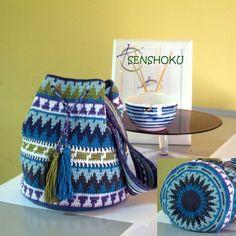 Mochila Wayuu, realizada en #cottonlight, puedes ver el tutorial del #wayuuwheel en http://blog.senshoku.es/tutorial-wayuu-wheel-1/