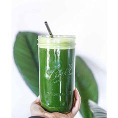 My GO-TO green juice K A L E //C E L E R Y // A P P L E . Detoxing, alkalising, oxygenating tonic. #feelthelean