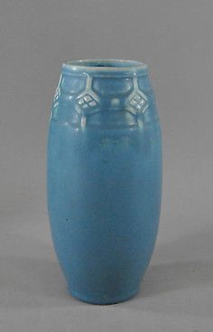 Vintage Rookwood Blue Pottery Vase with Diamond Pattern Blue Pottery, Pottery Vase, Ceramic Pottery, Weller Pottery, Rookwood Pottery, Vintage Vases, Vintage Pottery, Ceramic Manufacturer, Paint Your Own Pottery