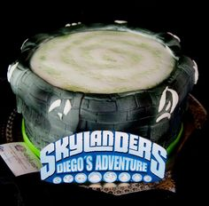 A Skylanders cake from our Facebook fan Guillermo! Thanks for the submission! Use the hashtag #SkylandersCake and maybe we'll repin yours!