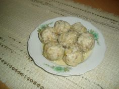 Книдлі булчані від Яруськи: Сухарики з одного батону + 500 мл молока = 15 хвилин, +2-3 яйця +тушкована цибулька + спеції +зелень +мука...