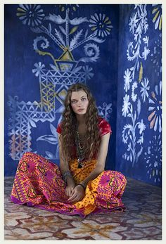 India inspired fashion photo shoot. What totally beautiful walls & floors.