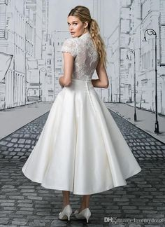 I found some amazing stuff, open it to learn more! Don't wait:http://m.dhgate.com/product/short-wedding-dress-tea-length-white-appliques/391381430.html
