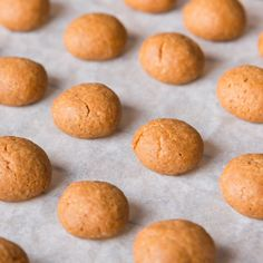 Dutch Pepernoten Cookies Dutch Cookies, German Cookies, Spice Cookies, Dutch Recipes, Sweet Recipes, Cooking Recipes, Just Desserts, Delicious Desserts, Dessert Recipes