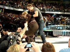 Springsteen - Dancing in the Dark, with his Mom ...   : )  The Spectrum October 20, 2009