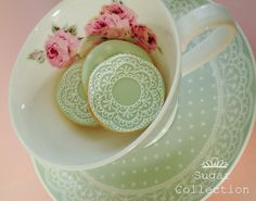 Love the idea of matching the cookies to your tea cup and saucer - gotta do this :)