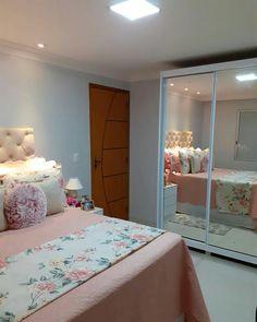 Small Room Design Bedroom, Teen Bedroom Designs, Room Ideas Bedroom, Home Room Design, Home Decor Bedroom, Bedroom Decorating Tips, Traditional Bedroom Decor, Minimalist Room, Teen Room Decor
