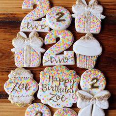 Birthday Cupcakes Ideas Number 32 New Ideas Fancy Cookies, Cute Cookies, Cupcake Cookies, Happy Birthday Cookie, Birthday Cupcakes, 2nd Birthday, Cookie Frosting, Royal Icing Cookies, Galletas Decoradas Baby Shower