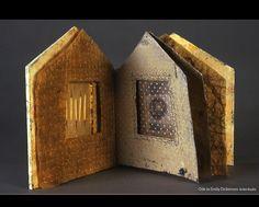 Jo Stealey, Ode to Emily Dickenson, artist book Boekbinden Altered Books, Altered Art, Fabric Journals, Art Journals, Accordion Book, Kitsch, Book Sculpture, Book Projects, Handmade Books