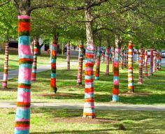 Yarn bombing, guerrilla knitting, urban knitting or graffiti knitting is a form of street art or graffiti involving knitting or crochet whic. Yarn Bombing, Land Art, Guerilla Knitting, Tricot D'art, Street Art, Grafiti, Crochet Art, Mandala Crochet, Crochet Afghans