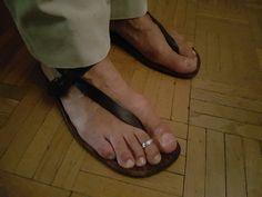 Sandalia huarache con pantalon largo