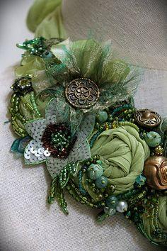 Diosa Verde II mixta textil declaración collar por carlafoxdesign