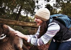 Melbourne packing + cultural tips - Petting a kangaroo.