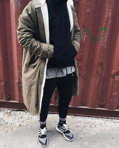   trench coat   fog x yeezy    streets style   Adidas