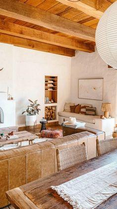 Modern Interior, Home Interior Design, Retro Beach House, Dinning Chairs, Living Spaces, Living Room, Interiores Design, Apartment Living, Decoration