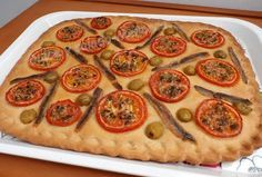 Dulce y Salado-Menorca: Coca con tomates y anchoas
