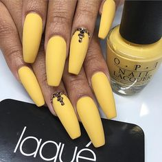 23 Great Yellow Nail Art Designs 2019 - Sunny Yellow Nails - Best Nail World Yellow Nails Design, Yellow Nail Art, Acrylic Nails Yellow, Colour Yellow, Winter Nails, Spring Nails, Nail Summer, Summer Art, Summer Ideas