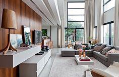 O espírito dos lofts nova-iorquinos está presente neste apartamento de 130 m² na Vila Madalena, em São Paulo. Tudo graças ao projeto do escritório Rocco, Vidal + Arquitetos, que redistribuiu e personalizou os espaços