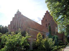 Gladsaxe Kirke, Gladsaxe-Herlev Provsti. All © copyright Jens Kinkel