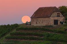 Schloss Durbach in der Ortenau. Der Blutmond geht schlafen