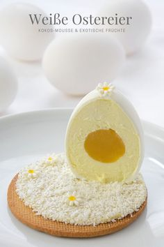 Recipe for white Easter eggs with coconut mousse and an egg yolk made from exotic fruits * Recipe for Easter Eggs with coconut mousse and a fruity yolk * Recette de Oeufs blanc de Pâques * Made by La Pâticesse Easter Recipes, Fruit Recipes, Sweet Recipes, Baking Recipes, Dessert Recipes, Coconut Mousse, Dessert Original, Food And Thought, French Patisserie