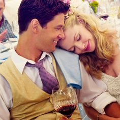 Amanda Seyfried and Ben Barnes (The Big Wedding)