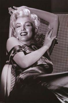 Marilyn Monroe Satin Smile Glamour Portrait Poster 24x36