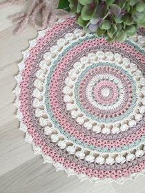Doilies, Dream Catcher, Crochet Patterns, Outdoor Blanket, Knitting, Mandala Crochet, Diy, Instagram, Farmhouse Rugs