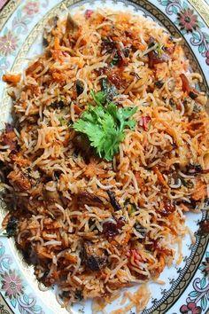 YUMMY TUMMY: Mushroom Dum Biryani Recipe