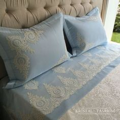 This Pin was discovered by Füs Linen Bedroom, Blue Bedroom, Linen Bedding, Bedding Sets, Bed Covers, Pillow Covers, Sewing Art, French Lace, Sofa Pillows